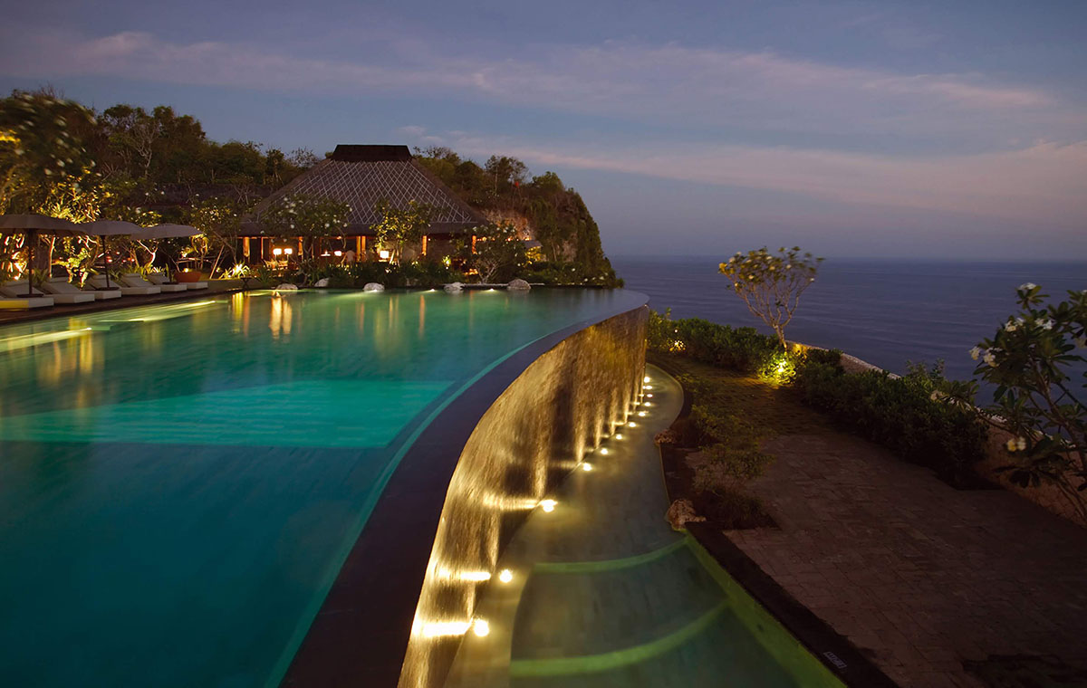 Cliff Side Pool Bulgari Bali