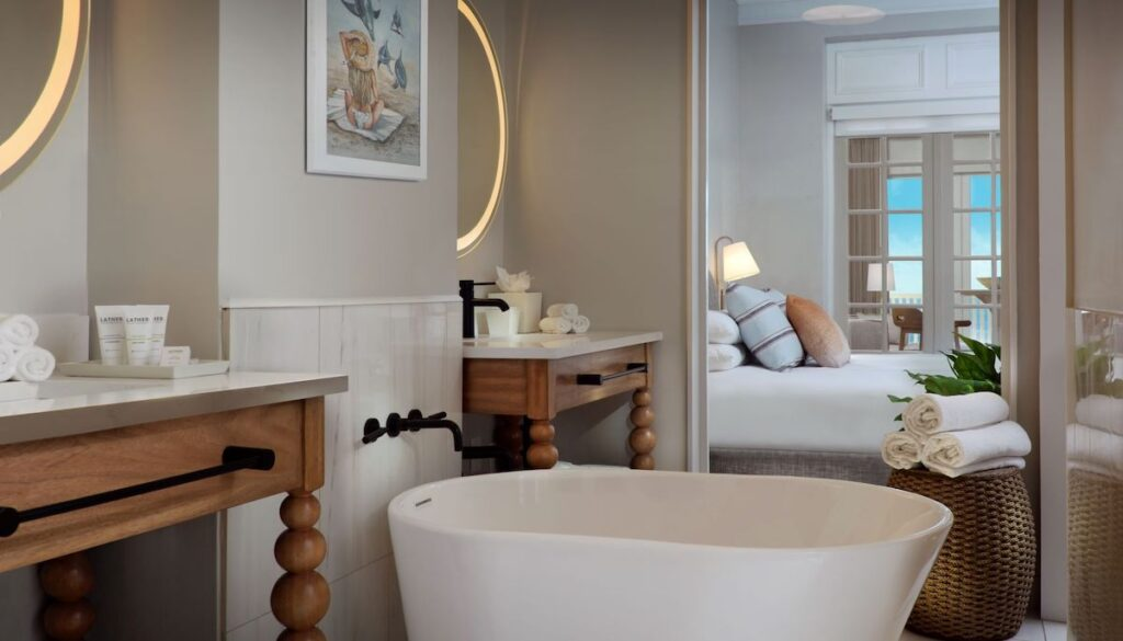 premium bathroom Pelican Beach Resort
